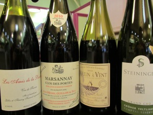 Still stuck on wine?  We've got these great Thanskgiving choices open all week!